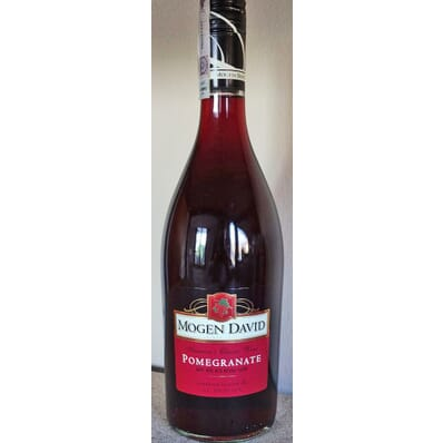Pomegranate Mogen David wine 750ml